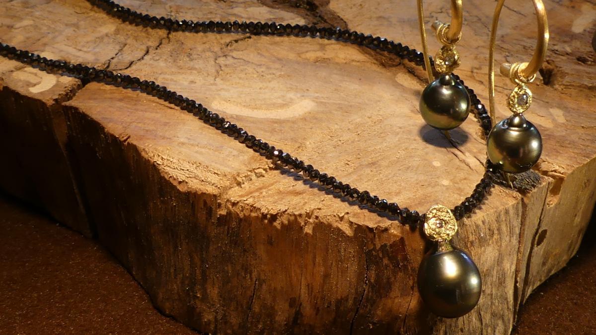 Schwarze Diamantkette