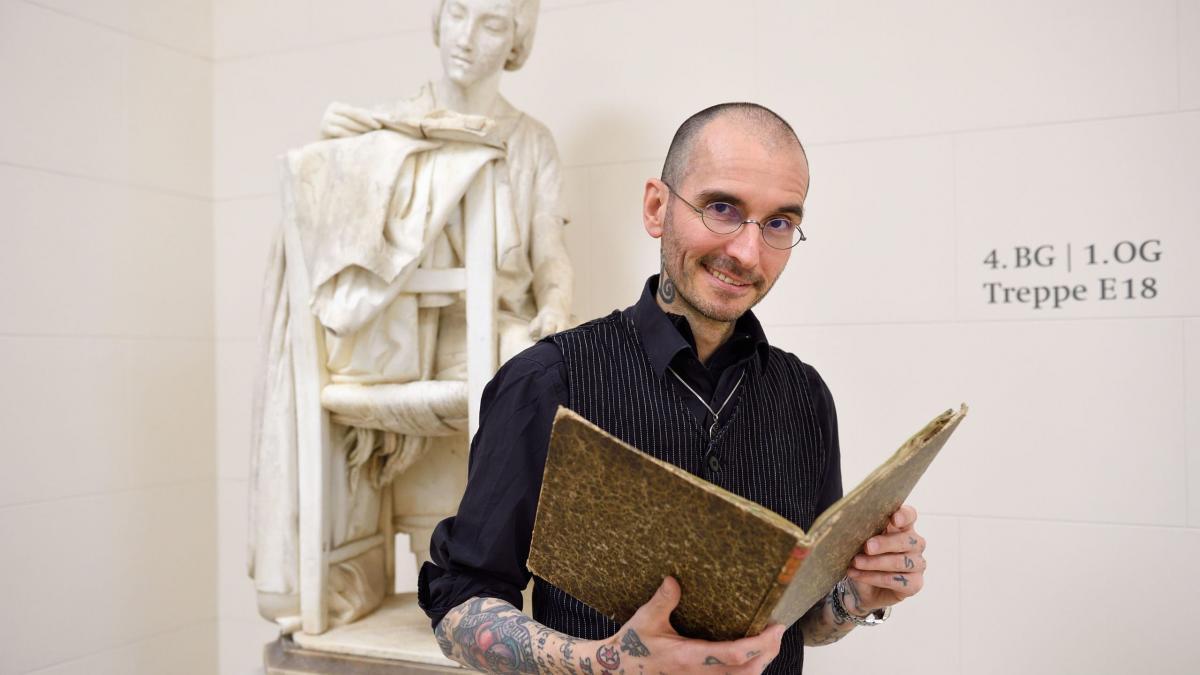Dr. Mark Benecke