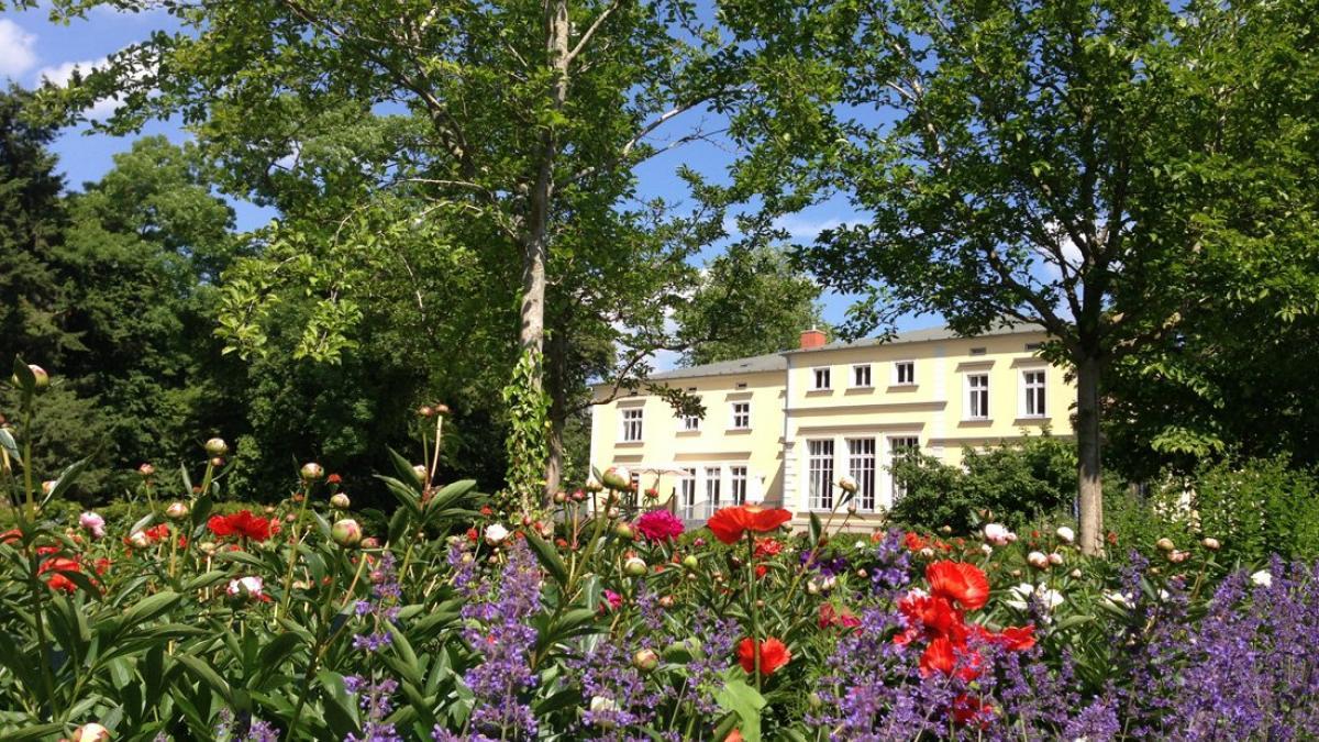 gutshaus-landsdorf-aussenansicht-03_3