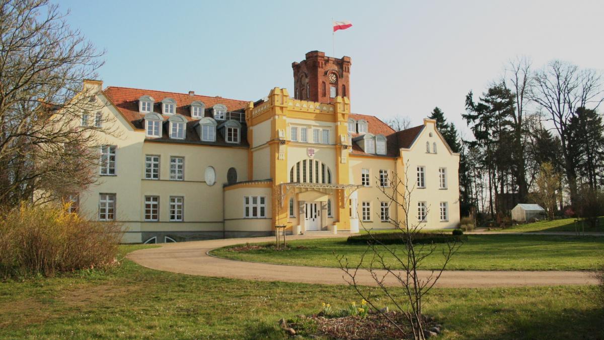 schloss-lelkendorf-dorfansicht_1