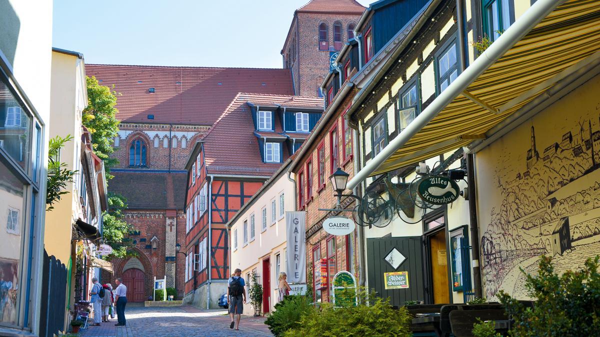 Waren (Müritz) Altstadt, Blick auf die Georgenkirche