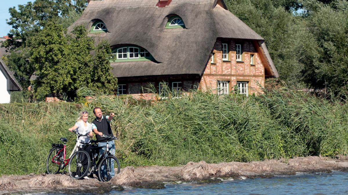 Regionaltypisch - Reetgedecktes Haus