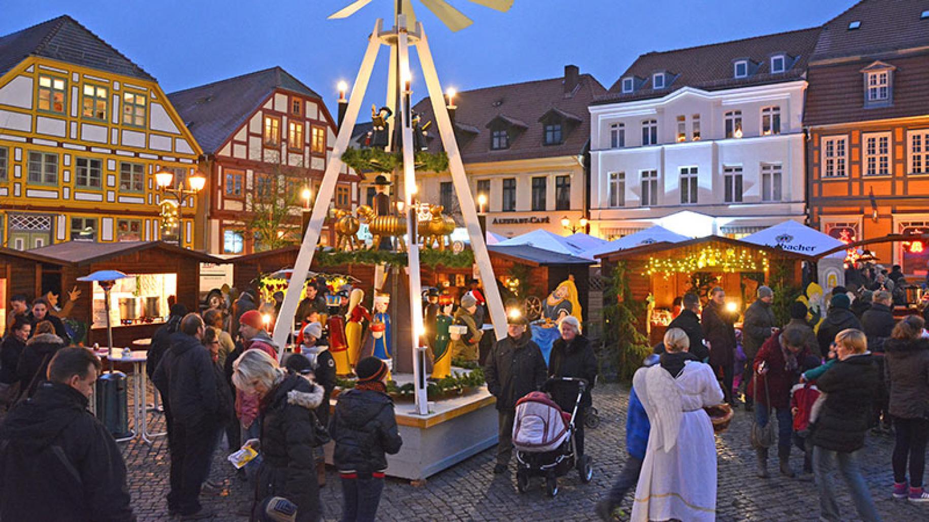 Weihnachtsmarkt Waren 2019.Weihnachtsmarkt In Waren Müritz Waren Tourismus