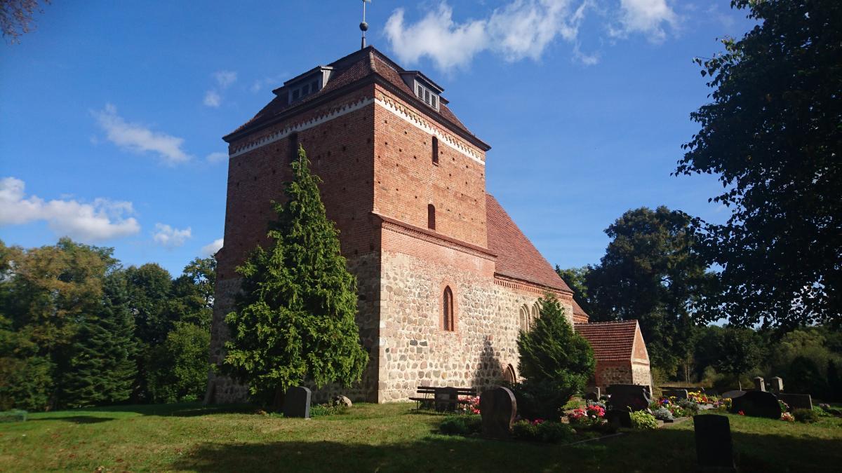 Kirche Bellin