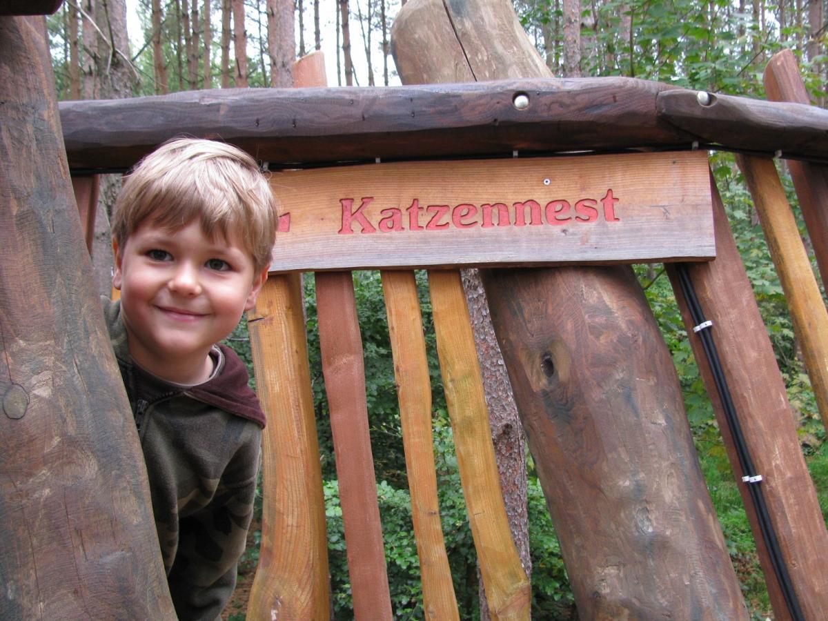 Jede Menge Spaß für das Enkelkind im Wildpark-MV