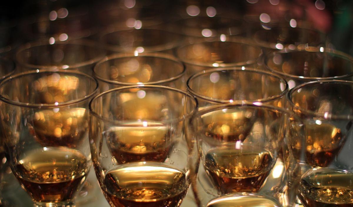 whiskey-2381516_1920
